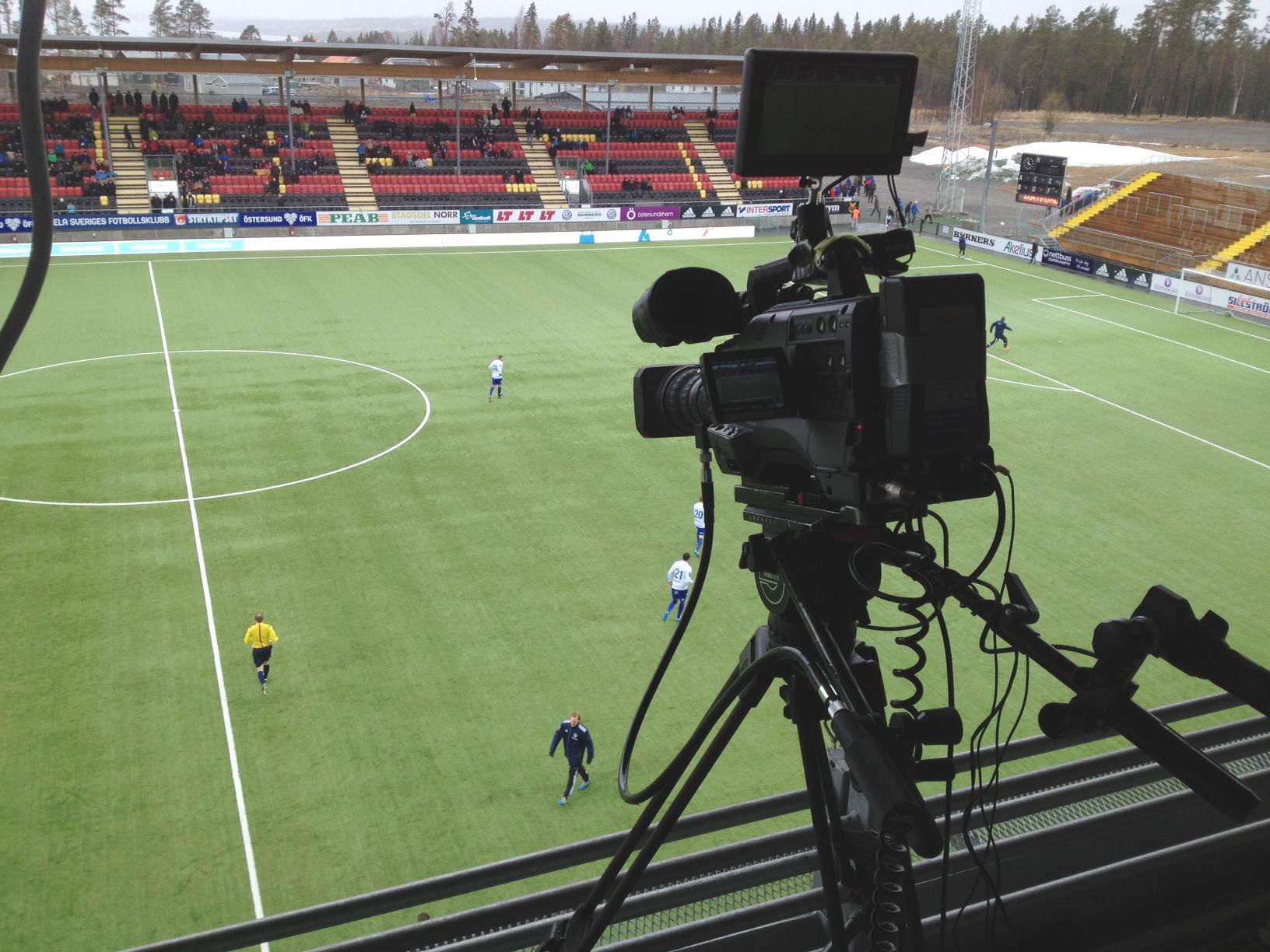 Inför en webb-TV sändningen på C-more och en Superettan match på Jämtlandsarenan.